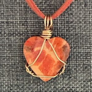 HP🥳! Orange Spiny Oyster Shell carved heart